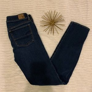 Like New American Eagle Blue Straight Jeans Size 4